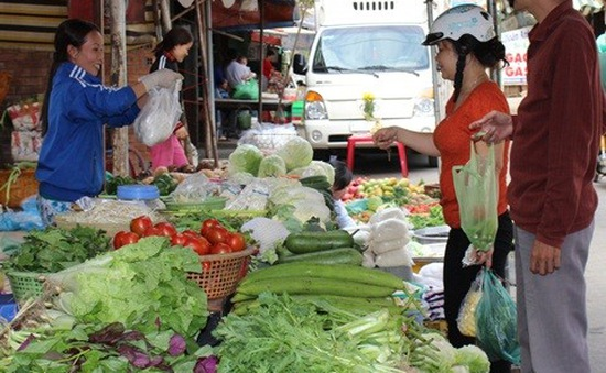 Hà Nội: Giá rau xanh tăng mạnh sau Tết
