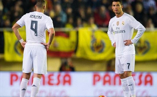 Gục ngã trước Villarreal, Real mất cơ hội bám đuổi Barca