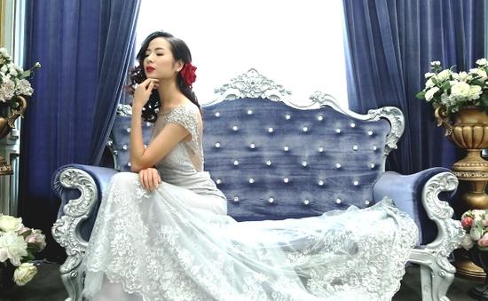 Lãng mạn, quyến rũ với BST váy dạ hội của Ribbon & Lace