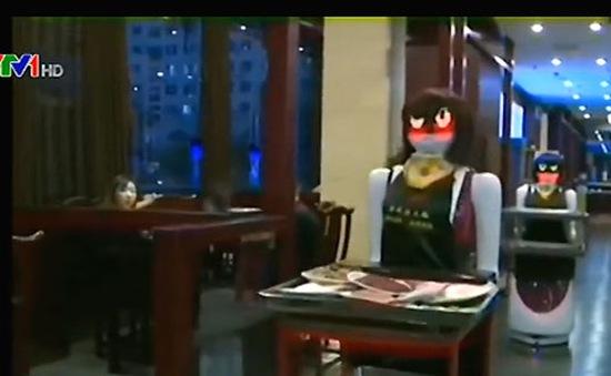 Sử dụng robot làm phục vụ bàn