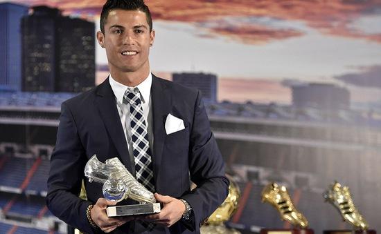 Real Madrid vinh danh chân sút huyền thoại Ronaldo