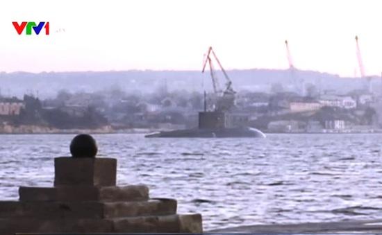 Tàu ngầm Nga trở về sau khi tham chiến tại Syria