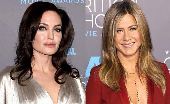"Angelina Jolie và Jennifer Aniston ""đọ sắc"" tại Critics' Choice Awards"