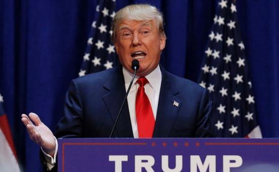 Donald Trump cáo buộc FED giữ lãi suất thấp theo yêu cầu của Tổng thống