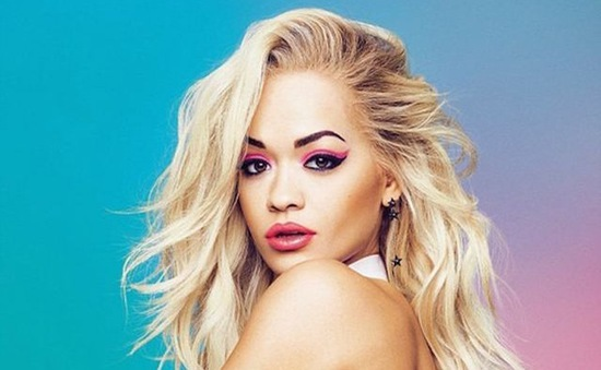 Rita Ora khuyên giới trẻ Việt tự tin hơn vào bản thân