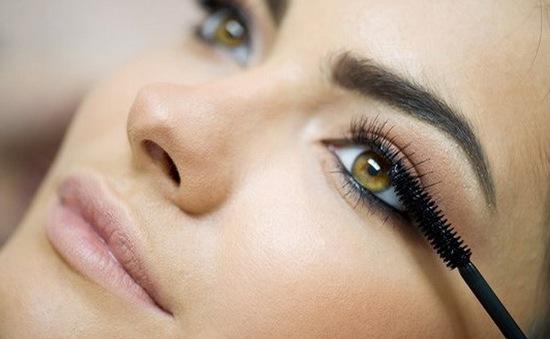 5 sai lầm khi sử dụng mascara mà bất kỳ chị em nào cũng mắc phải