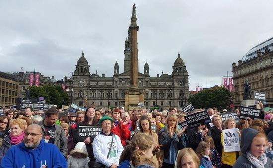 Scotland đón 100 người di cư Syria đầu tiên