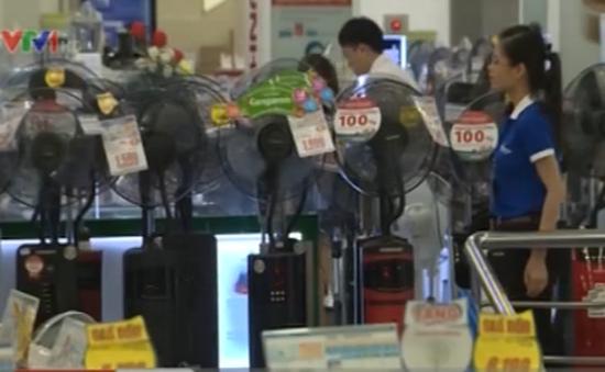 Cuộc đua giảm giá của các nhà bán lẻ điện máy