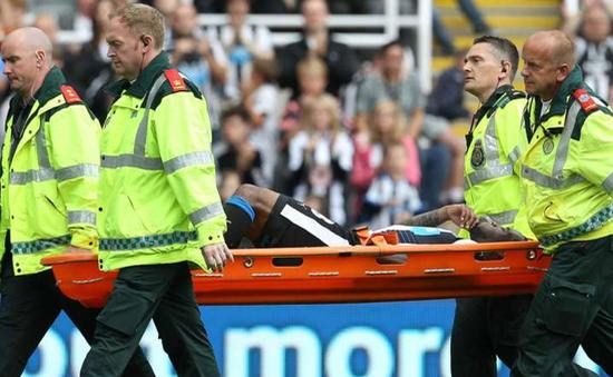 "Premier League 2015/16: Danh sách ""bệnh binh"" dài dằng dặc"