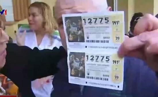 Người dân một thị trấn ở Tây Ban Nha trúng xổ số 700 triệu USD
