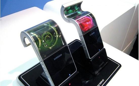 """Năm 2016: Samsung sẽ ra smartphone """"có thể gấp lại""""?"""