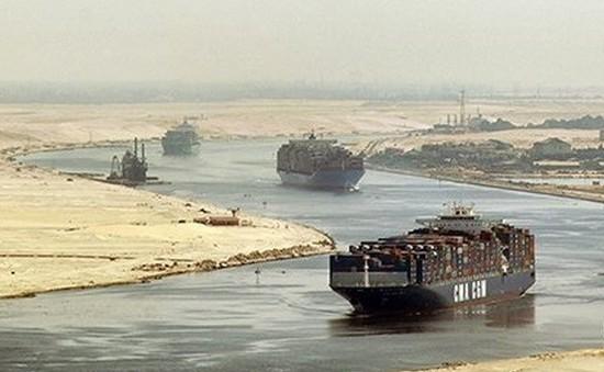 Doanh thu kênh đào Suez giảm sút