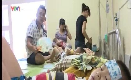 Nghệ An: Trẻ em nhập viện tăng cao do nắng nóng