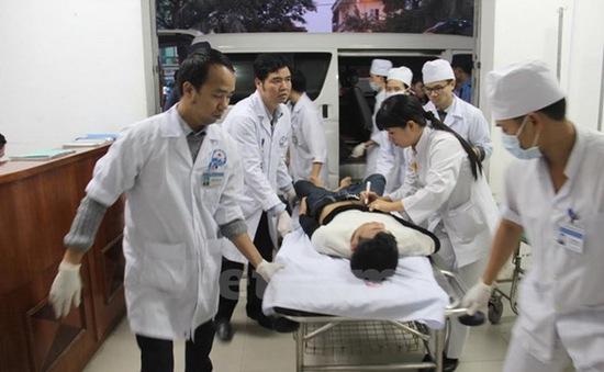 Tai nạn xe khách ở Vĩnh Phúc: 2 nạn nhân có tiên lượng xấu