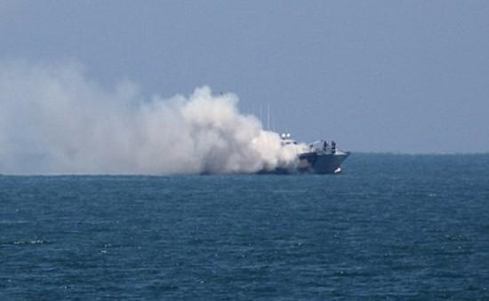 IS tấn công tàu hải quân Ai Cập