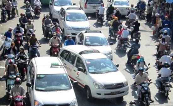 Doanh nghiệp taxi TP.HCM không kê khai giảm cước