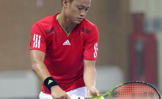Tay vợt Đinh Thành Trung đối diện án phạt nặng vì hành vi hất xô nước