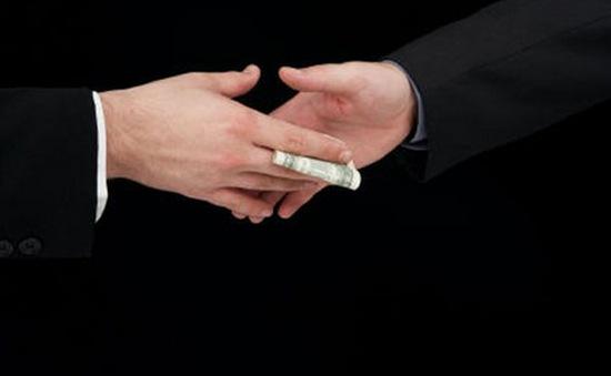 Nạn tham nhũng gây thiệt hại 1% GDP của EU mỗi năm