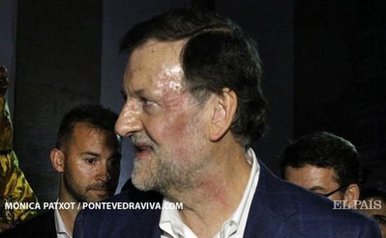 Thủ tướng Tây Ban Nha bất ngờ bị đấm vào mặt