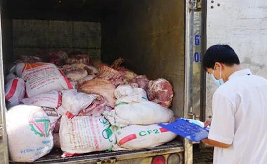 Xử phạt hành chính cơ sở kinh doanh thịt lợn bẩn