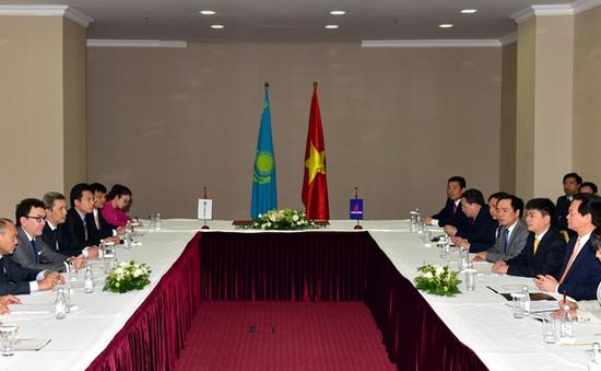 Thủ tướng tiếp lãnh đạo Tập đoàn dầu khí Kazmunaigaz