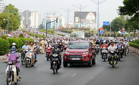 Ô tô, xe máy có thể được vượt tốc độ tối đa 10 km/h