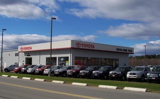 Toyota dẫn đầu doanh số bán ô tô toàn cầu