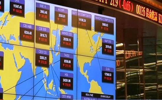 Chứng khoán Trung Quốc giảm 8%, nhà đầu tư hoảng loạn