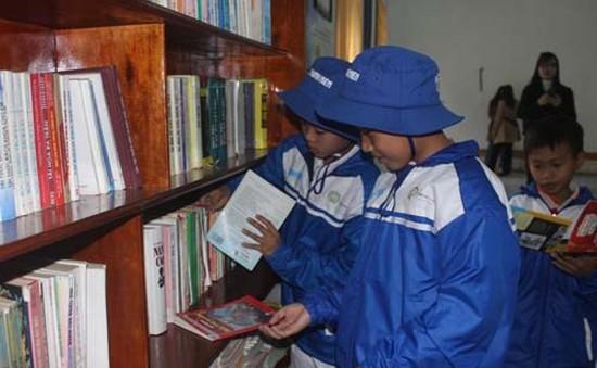Trao tặng thư viện cho trẻ em nghèo