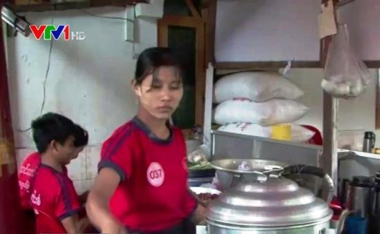 Nhiều trẻ em Myanmar bị vắt kiệt sức lao động