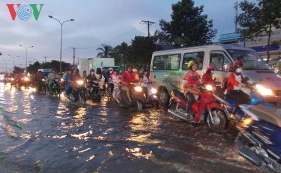 Cảnh báo ngập úng trên diện rộng do triều cường ở Nam Bộ