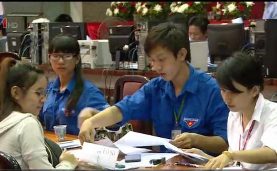 TP.HCM: Hàng ngàn hồ sơ đăng ký xét tuyển bằng học bạ THPT