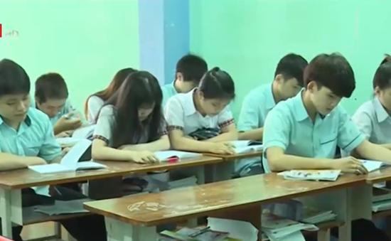TP.HCM xem xét tạm đình chỉ trường dạy thiếu môn