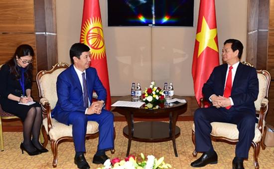 Thủ tướng Nguyễn Tấn Dũng hội kiến với Thủ tướng Kyrgyzstan
