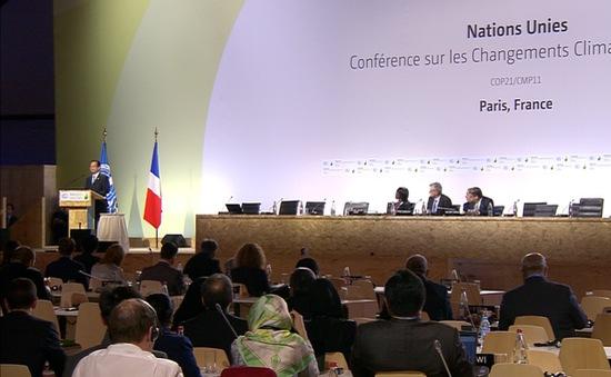Các đoàn đàm phán cố gắng ra được thỏa thuận trước ngày bế mạc COP21