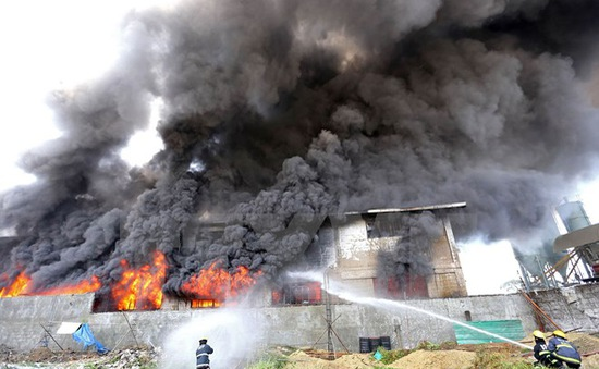 Philippines: Cháy nhà máy giày dép làm ít nhất 31 người chết