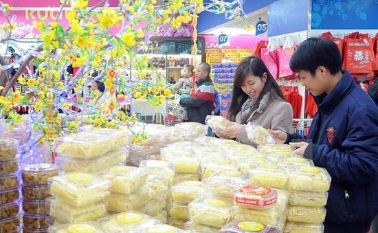 """Hàng Việt """"hút"""" người tiêu dùng dịp Tết Ất Mùi"""