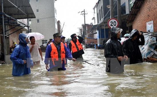 Bão Soudelor tiếp tục càn quét các tỉnh miền Đông Trung Quốc