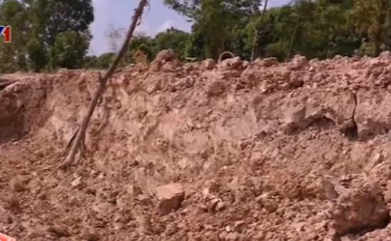 Tuyến đê Tào Khê ở Quế Võ, Bắc Ninh bị phá tan hoang, chính quyền nói gì?