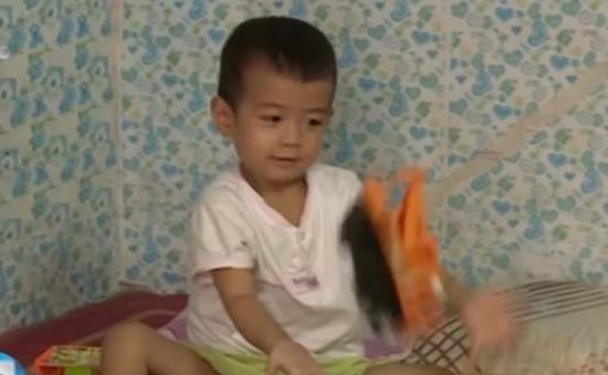 Bé 3 tuổi chống chọi với khối u bàng quang