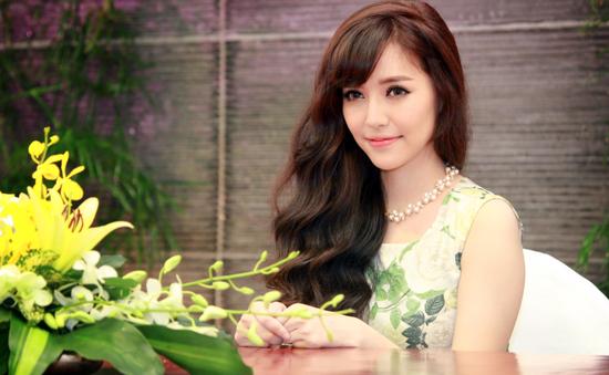 Bích Phương giữ kỉ lục đề cử tại Zing Music Awards 2014