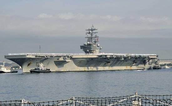 Tàu sân bay USS Ronald Reagan của Mỹ đến Nhật Bản