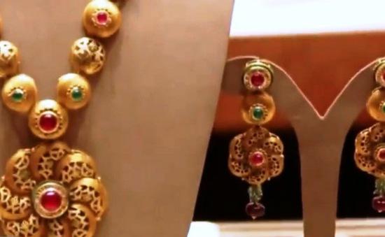 Thủ tướng Ấn Độ khởi động cơ chế 'tiền tệ hóa' vàng