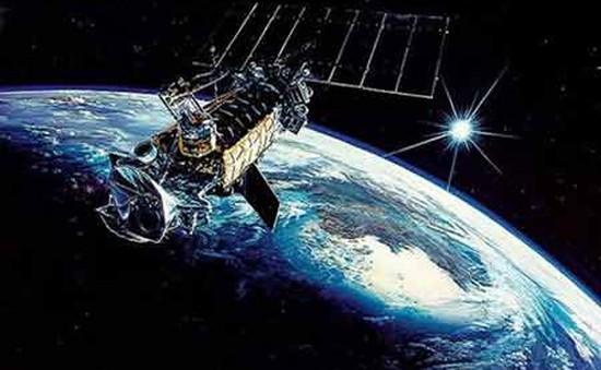 Một vệ tinh quân sự Mỹ phát nổ