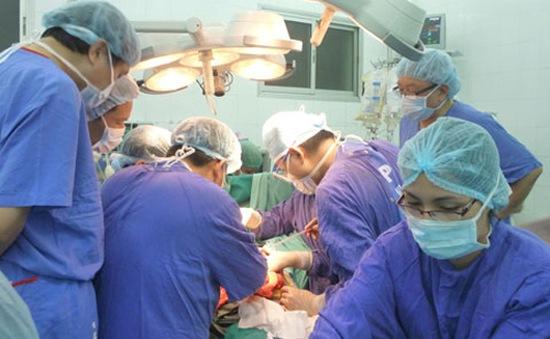 Bệnh viện Việt Đức thực hiện ghép tim thành công