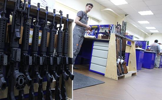 Mỹ và Nga vẫn dẫn đầu thế giới về xuất khẩu vũ khí