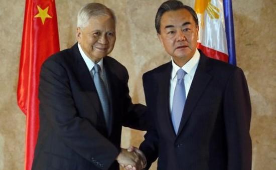 Ngoại trưởng Trung Quốc thăm Philippines