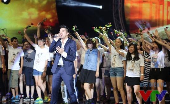 """""""Con đường tôi"""" của Trọng Hiếu tạm dẫn đầu BXH Bài hát yêu thích"""