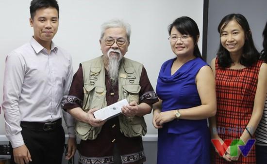 """Trao thưởng độc giả giành giải cuộc thi viết """"45 năm VTV"""""""