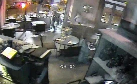 Công bố video đầu tiên về vụ xả súng tại Paris